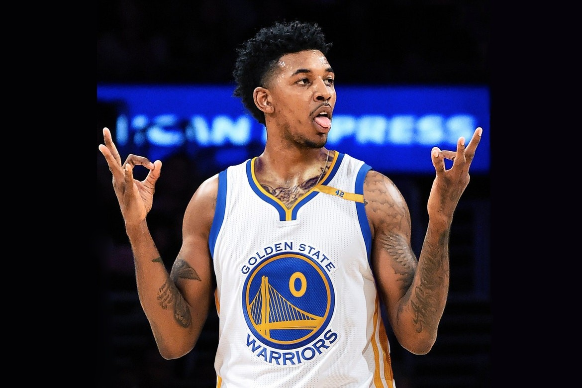 nick young relives dolphin attack while vacationing with iggy图片